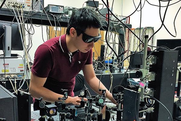 Prof. Jarrahi's Ph.D. student, Ping Keng Lu, awarded 2017 scholarship from CESASC.
