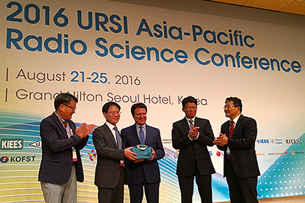 Distinguished Professor Yahya Rahmat-Samii was the General Lecture Speaker at the 2016 URSI AP-RASC, Seoul Korea