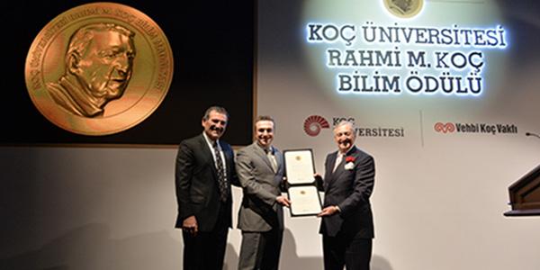 Professor Aydoğan Özcan has been granted the Koç University Rahmi M. Koç Medal of Science